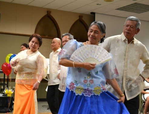 Filipino Community of South Puget Sound performs at Barrio Fiesta