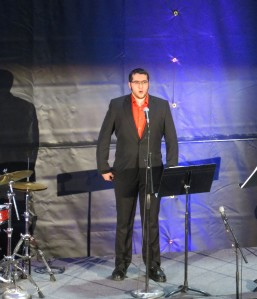 Michael Uribe performing a Basque piece called, Xalbadorrer Heriotzean
