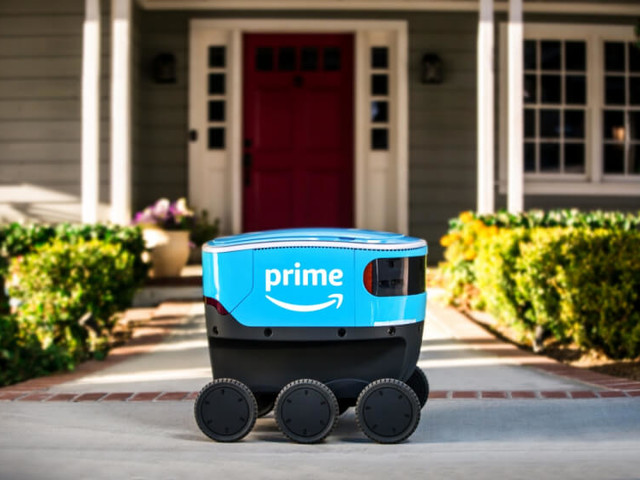 Amazon's New Scout Robot (1)
